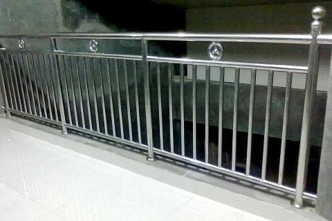 Tausan Wrought Iron Balkon Dan Railing Tangga Balkon Surakarta